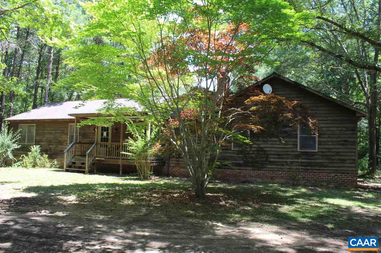 209 JOHNSONS MILL LN, BUMPASS, VA 23024