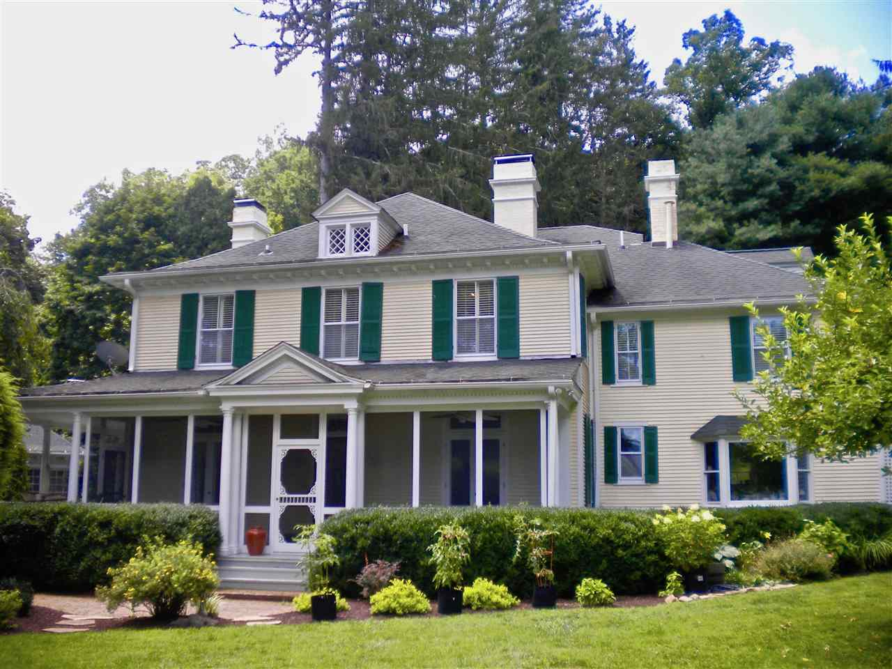 240 FRENCHS HILL DR, HOT SPRINGS, VA 24445