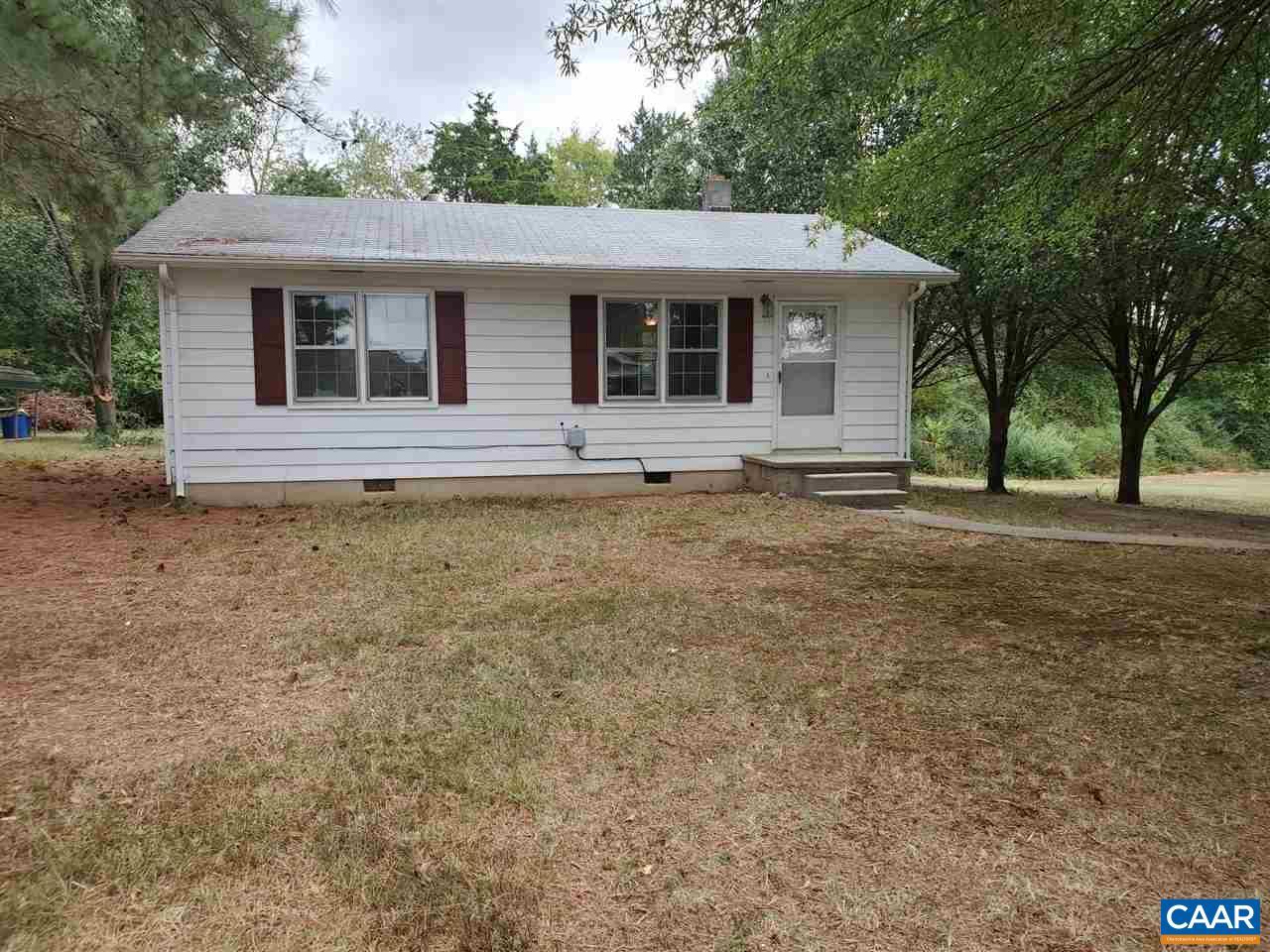 1229 PATRICK HENRY AVE, CHARLOTTE COURT HOUSE, VA 23923