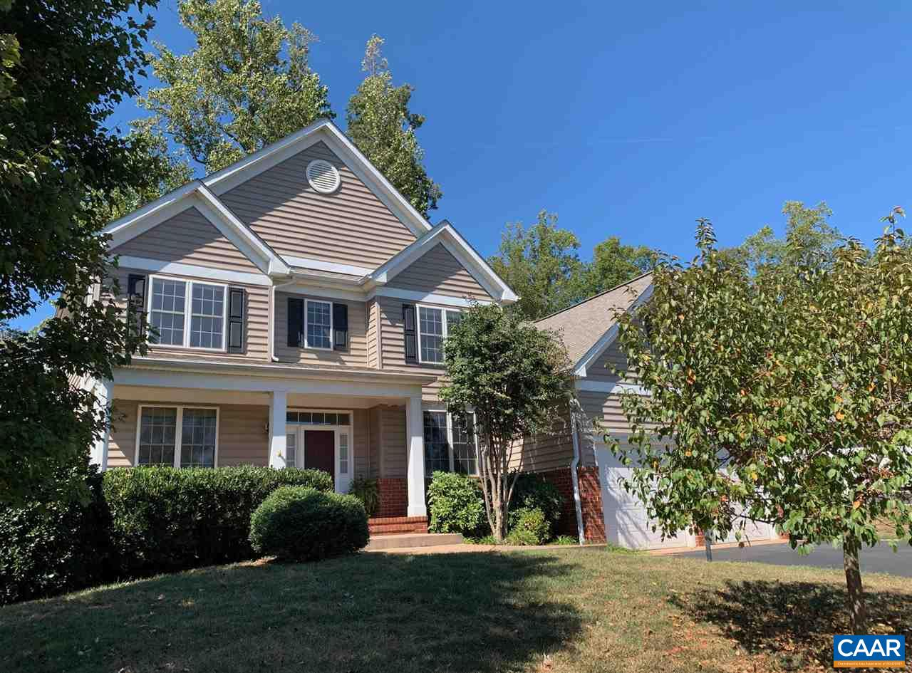 OPEN SUNDAY 9/22, 1-3PM.  This bright and open 4-bedroom home offers a large flat backyard, a rare option in Mosby Mountain! Hardwood floors, 9' ceilings, cherry cabinets, stainless-steel appliances, granite countertops, walk-in pantry: all the high-end options you were hoping for!  The oversized master suite includes a seating area, and its walk-in closet opens into a storage room over the garage.  There's a second bedroom suite with an attached bath, and the last 2 bedrooms share the spacious hall bath. Very well laid out with no wasted space, this home has everything you need, and nothing you don't!