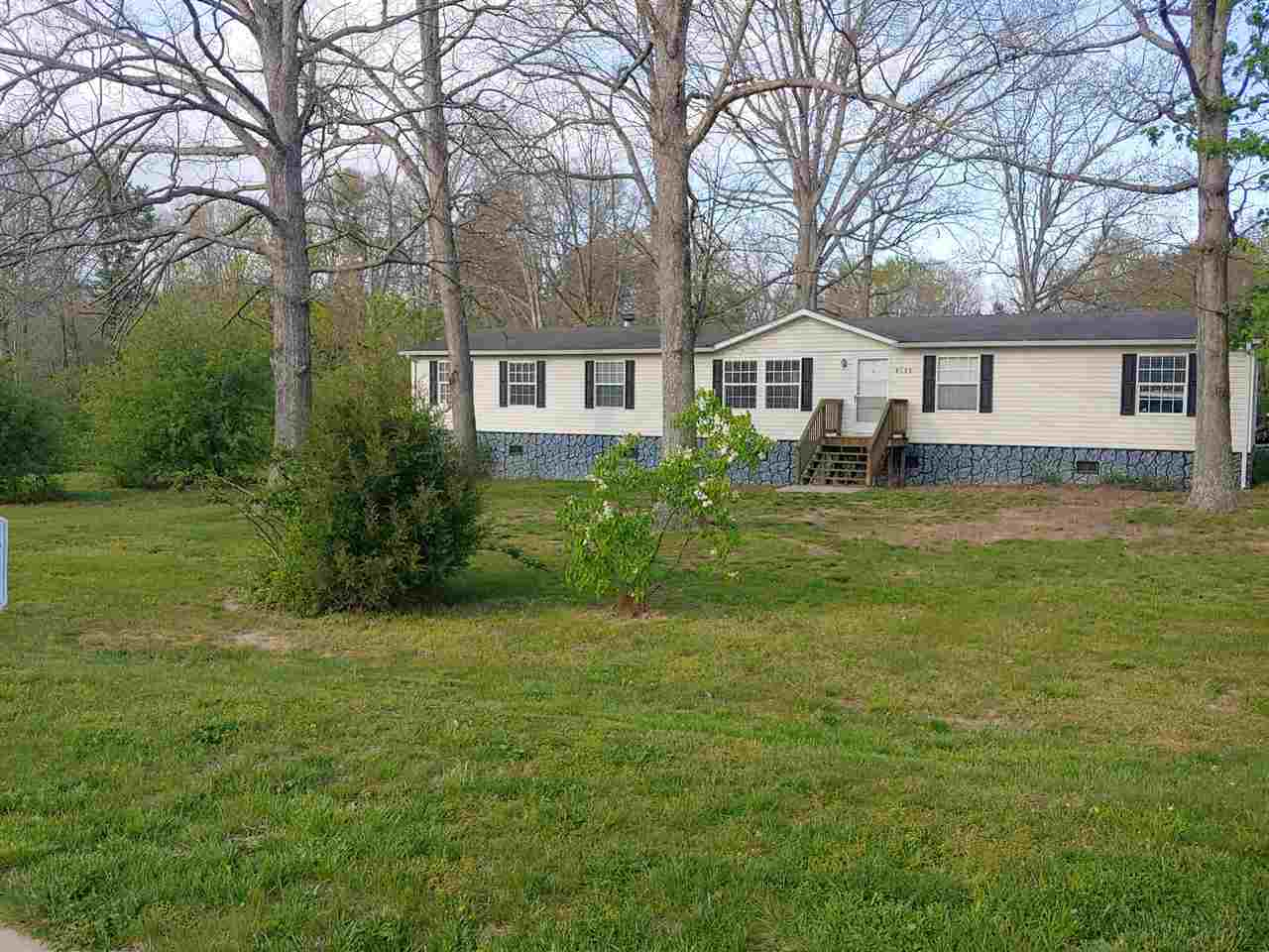1951 EAST SIDE HWY, CRIMORA, VA 24431