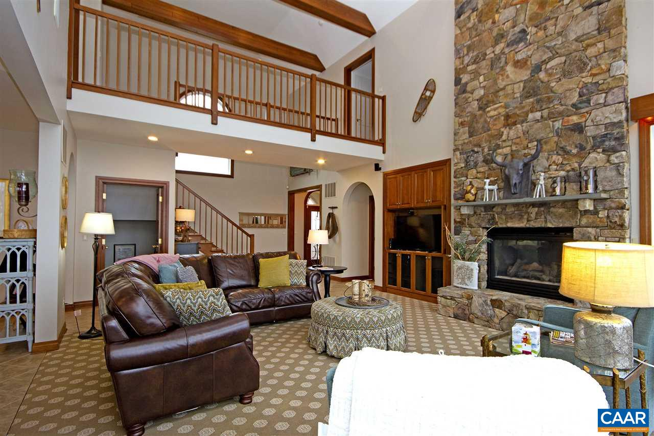 199 EAST CATOCTIN DR, WINTERGREEN RESORT, VA 22967