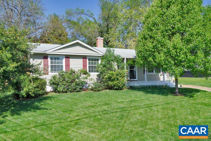A CITY CHARMER INDEED! Walk to all the restaurants/shops in Belmont. Enjoy the Arcade and wine shop and more restaurants on Carlton. If that isn't enough entertainment walk to the HISTORIC DOWNTOWN MALL. This adorable home offers one level living with easy flow from kitchen to family room. Extend your entertainment space outside on the large private back porch. Home includes a new washer and dryer, new gas stove, hardwood floors throughout butcher block countertops, crown molding and beadboard wainscotting. The master bedroom offers a nice attached half bathroom. There is plenty of storage in the attic and the utility closet. Don't forget the storage shed in the back yard........YOU WON'T WANT TO MISS THIS ONE!