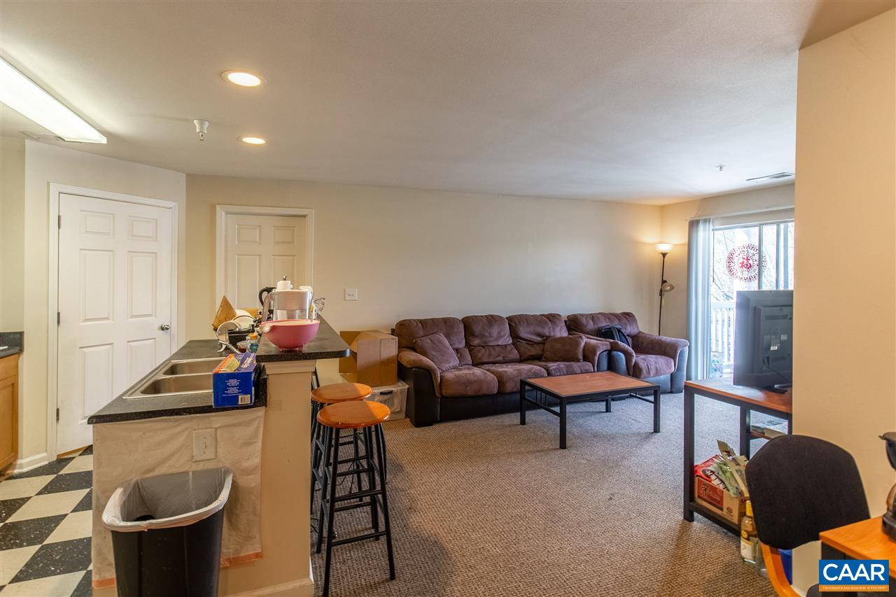 2 bed/2 bath condo now available at Eagles Landing. Nestled in Charlottesville, Va, Eagles Landing is a premier community, with a great mix of residents including students from nearby UVA and PVCC. This gated apartment community offers resort-style amenities and free shuttle transportation to local educational institutions.