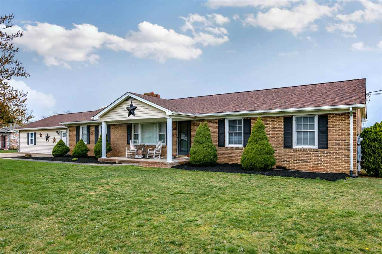 2562 EAST SIDE HWY, CRIMORA, VA 24431