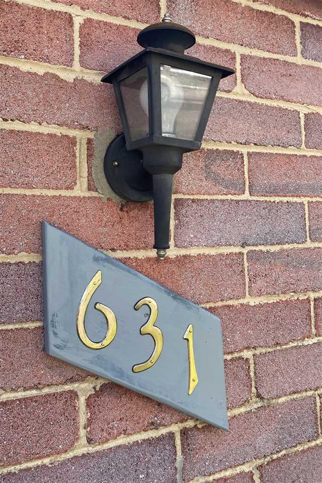631 B ST