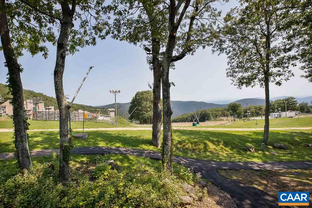 243 TIMBERS CONDOS, WINTERGREEN RESORT, VA 22967