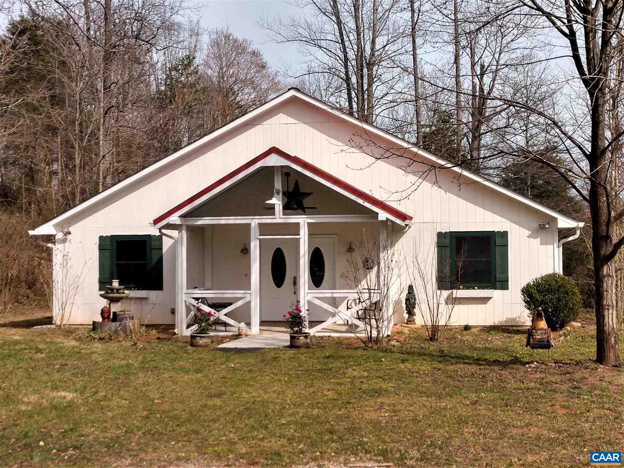 1631 COW HOLLOW RD, ROSELAND, VA 22967