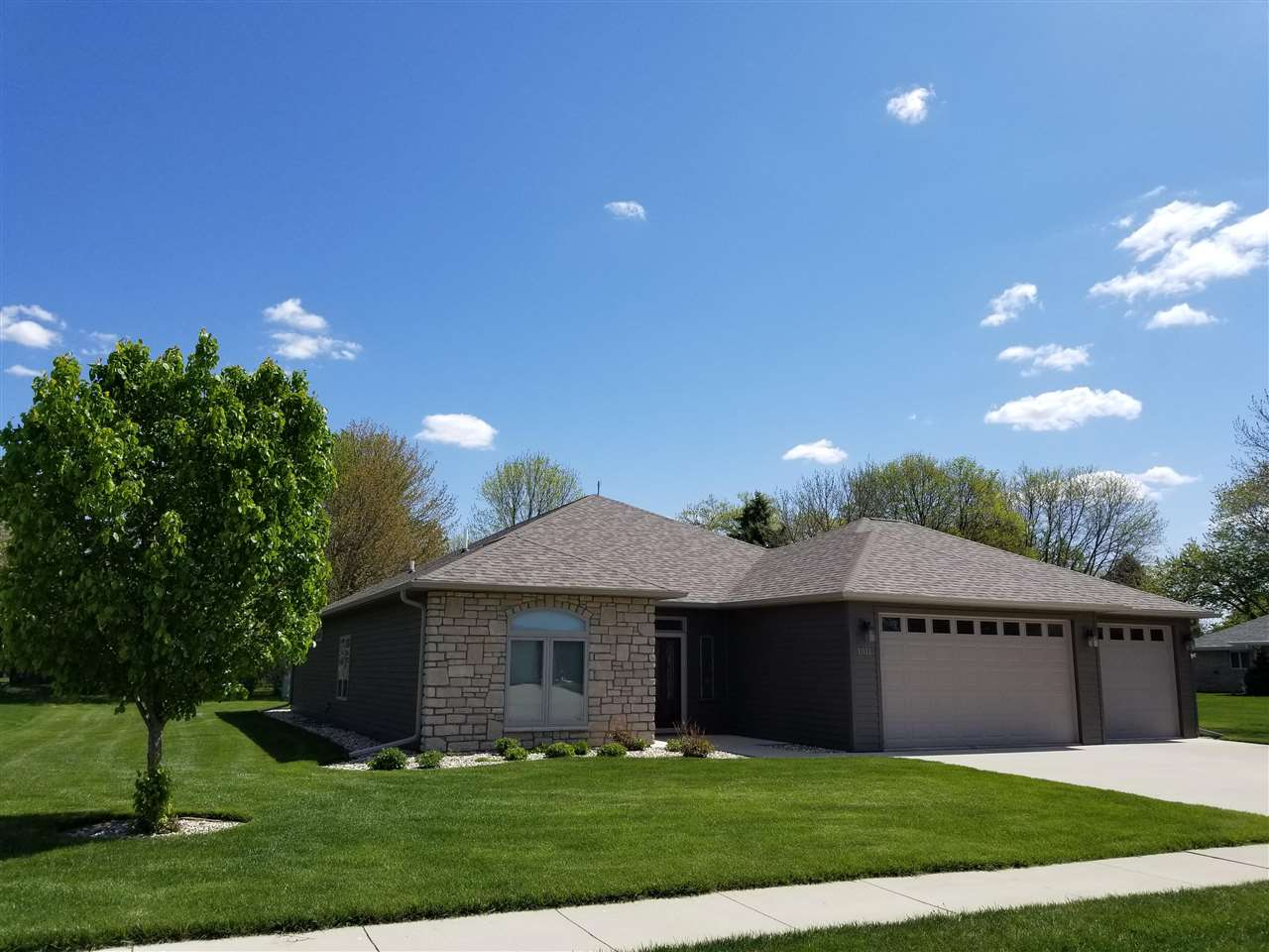 Residential for Sale at Kristin
