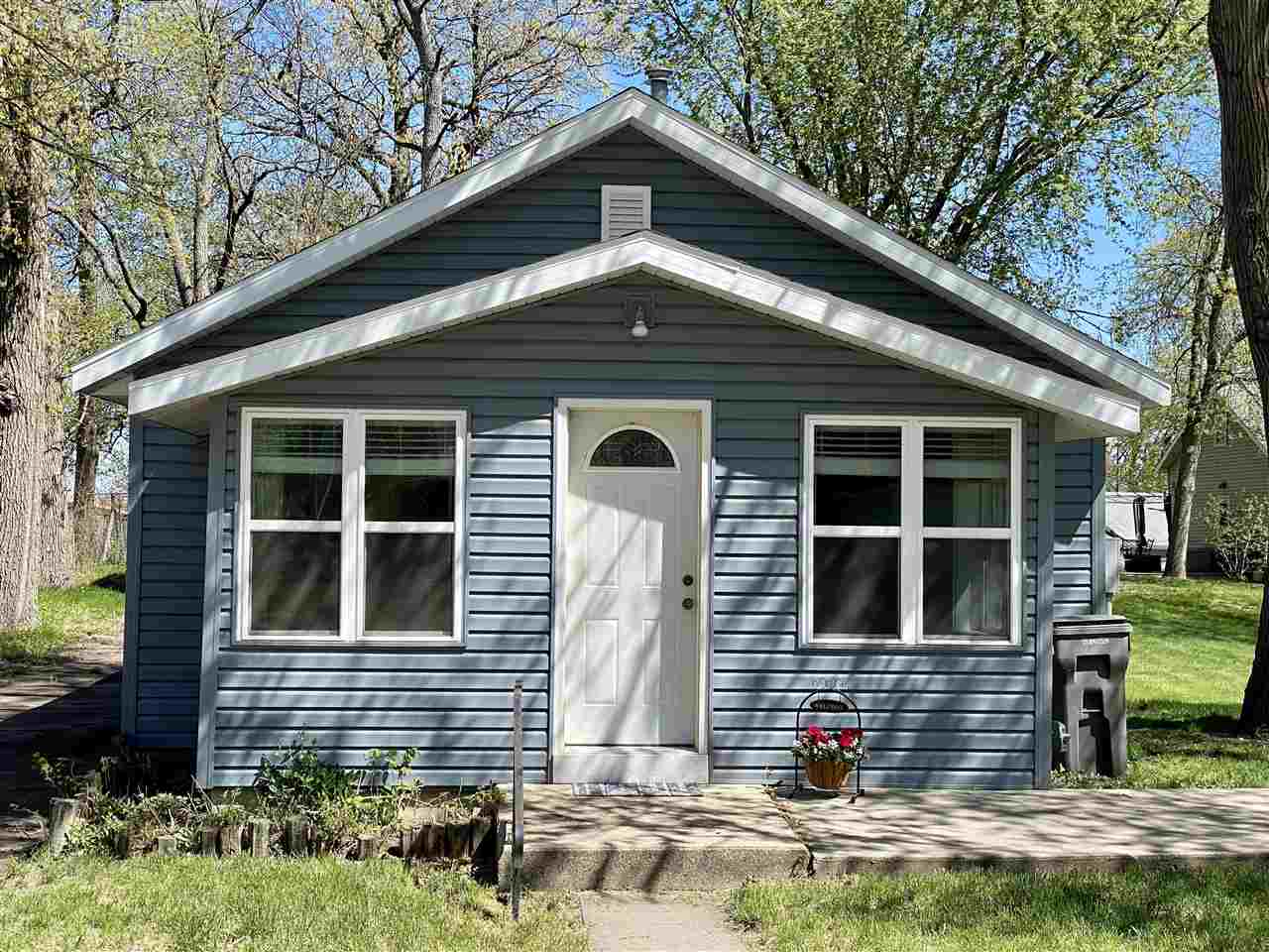 Residential for Sale at Hinshaw