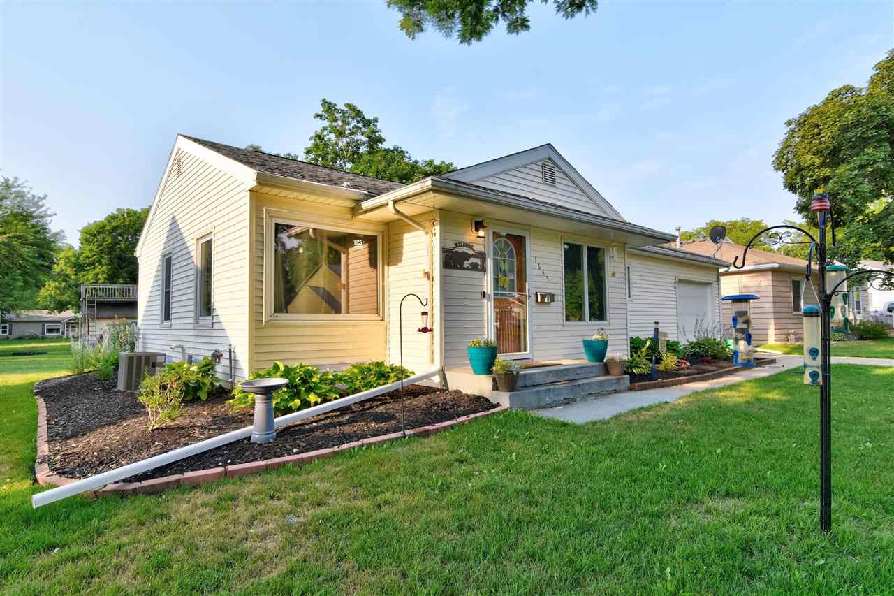 Residential for Sale at Maplecrest