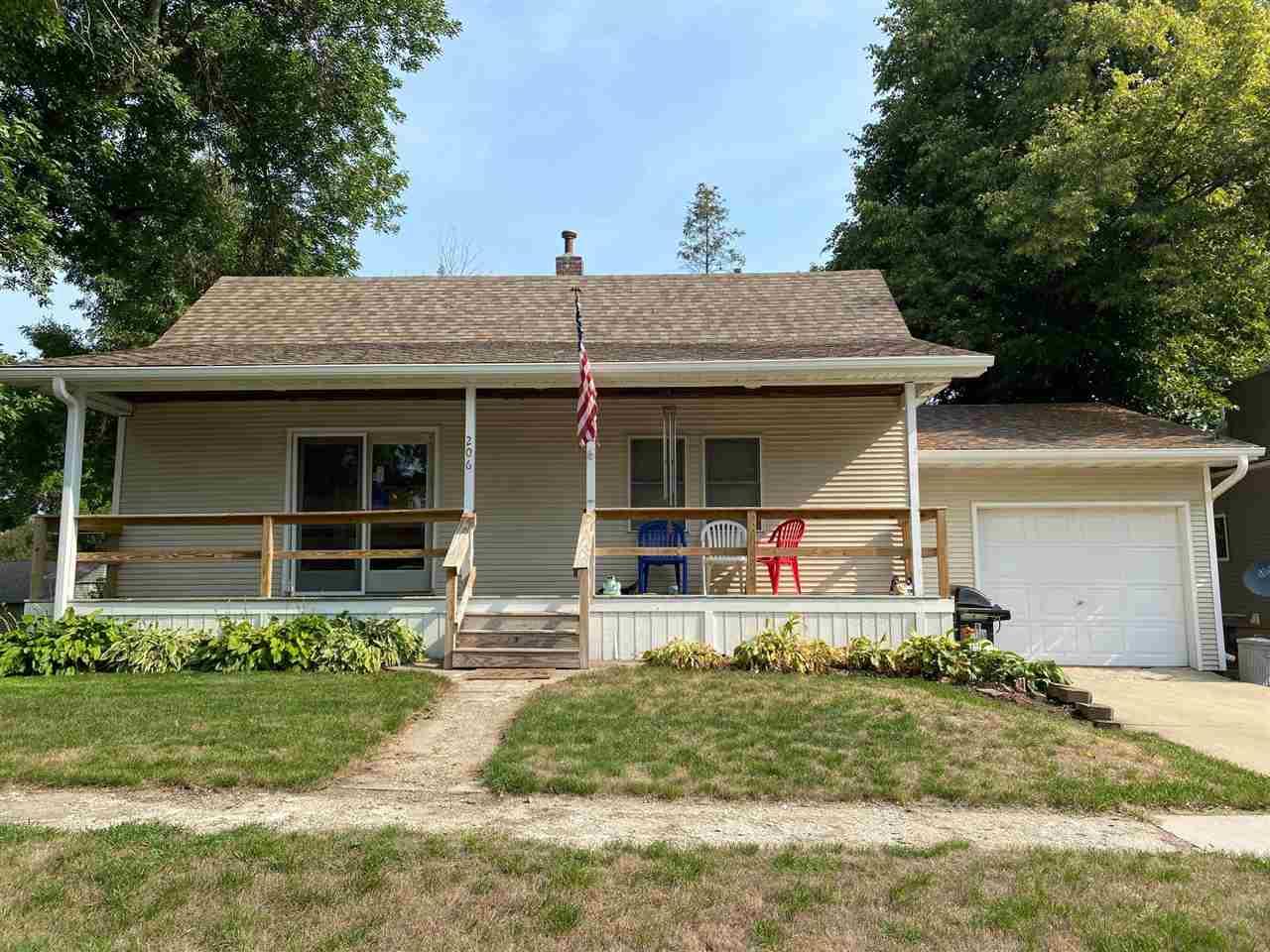 206 Chestnut Avenue, Lake Park, IA 51347