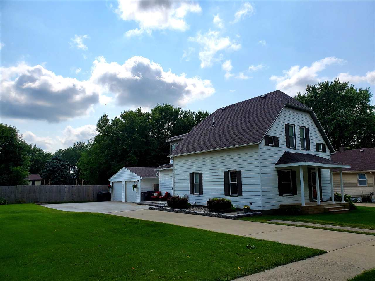 Homes For Sale at 10th