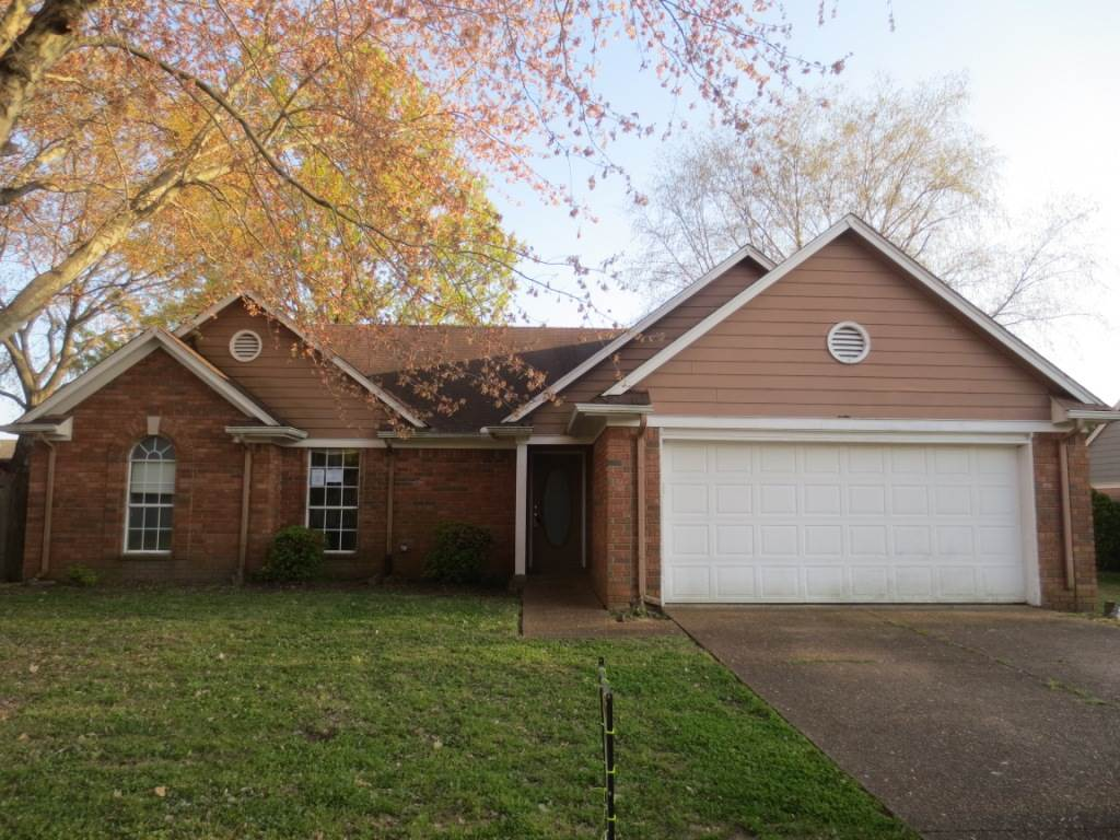 """Property is owned by the US Dept. of HUD. Case #482-469558. UI, Subject to Appraisal. HUD Homes are sold """"AS-IS."""" Seller makes no representations or warranties as to property condition. EHO. Seller may contribute up to 3% for buyer's closing costs, upon buyer request. Lovely home with 3 spacious bedrooms & 2 baths. Near schools, shopping, & entertainment."""