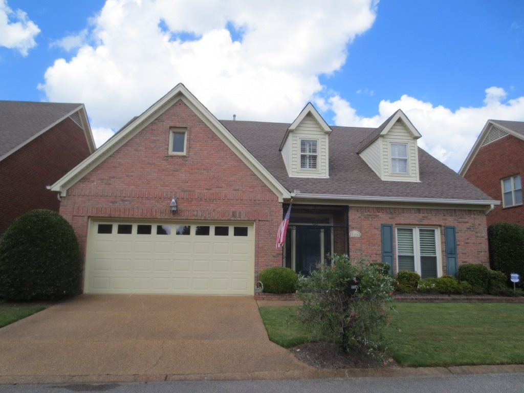 This is a gorgeous home located in a gated community near everything. It has four spacious bedrooms and three full baths. Gorgeous hardwood floors and tons of natural light. Kitchen is large with plenty of cabinet space. Large master bedroom with luxury bathroom suite. Complete with bonus room or hobby/sewing room upstairs.  There is even a loft area for quiet reading or a simple desk space for a work area. The backyard is like a private park. HOA fees cover trash, front lawn service and mulch.