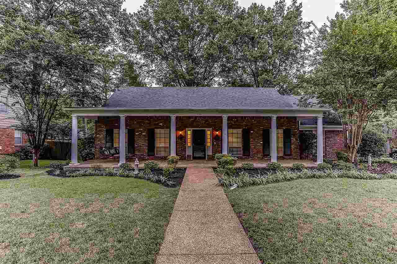 Property for sale at 6962 Surrey Ln, Germantown,  TN 38138