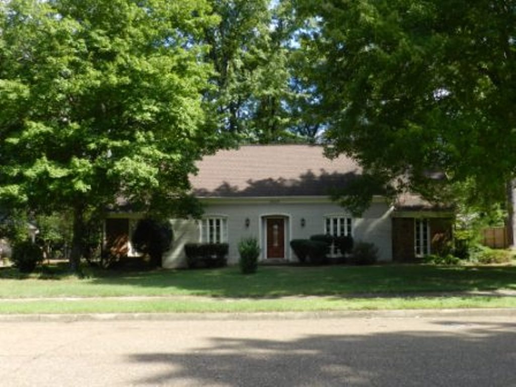Property for sale at 2410 Oak Trail Dr, Germantown,  TN 38139