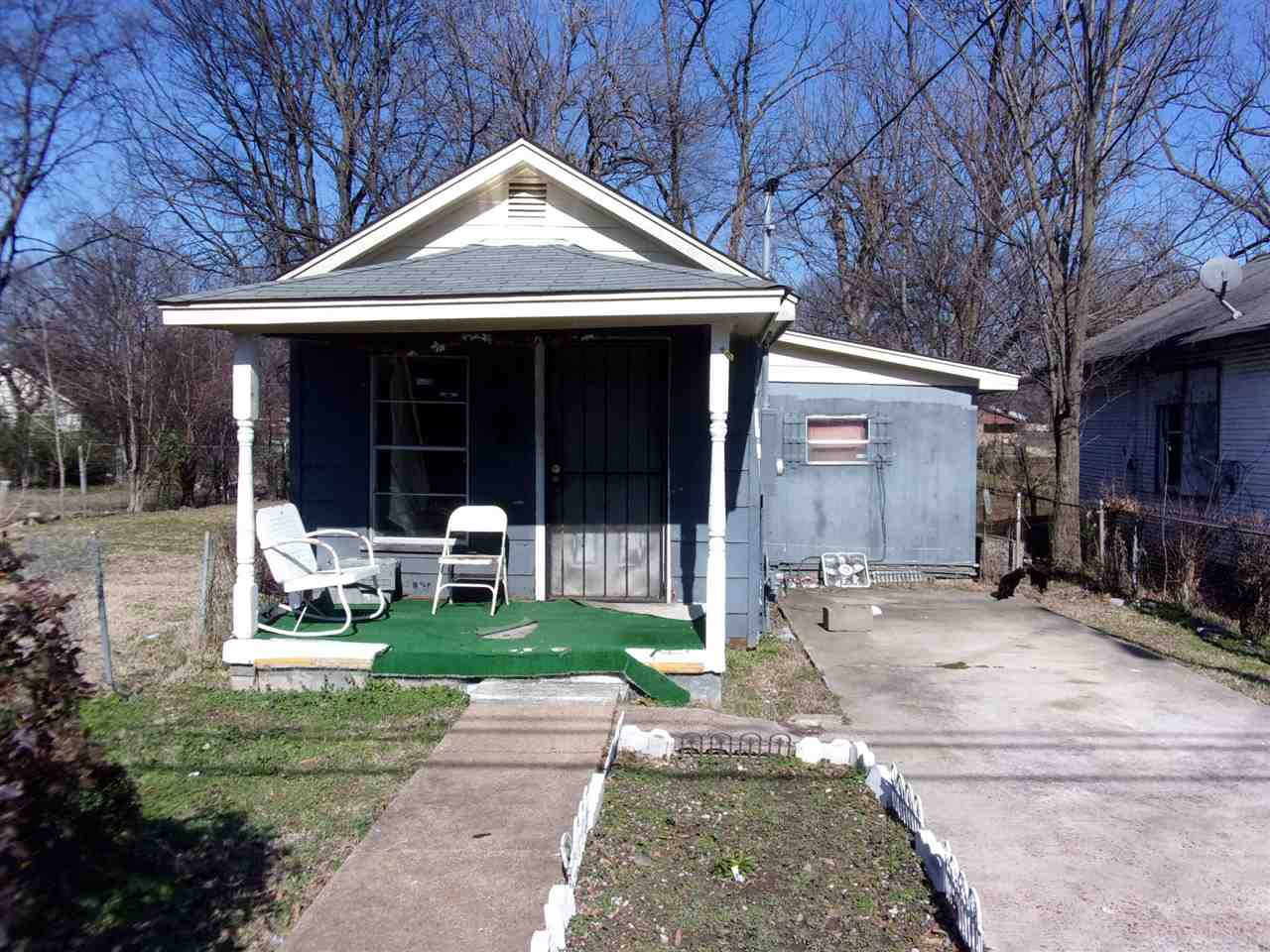Property for sale at 2496 Winnona Ave, Memphis,  TN 38108