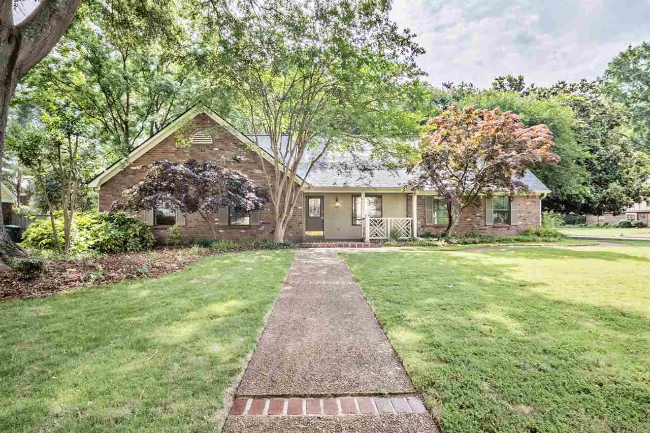 Property for sale at 1720 Rocky Hollow Dr, Germantown,  Tennessee 38138