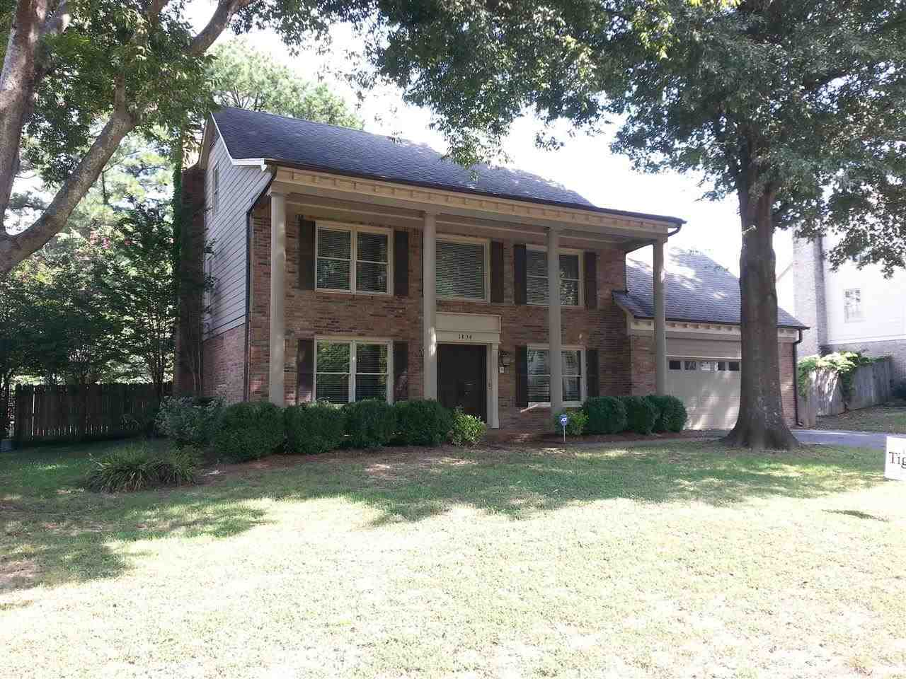 Property for sale at 1834 Brierbrook Ln, Germantown,  Tennessee 38138