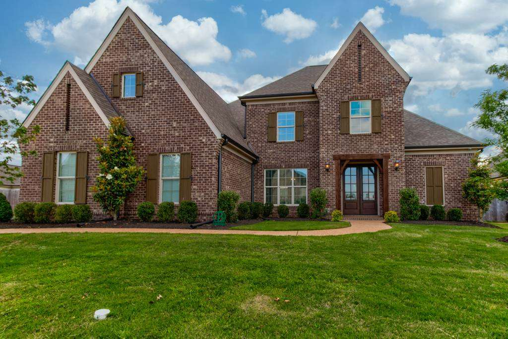 621 CYPRESS KNOLL DR, Collierville, TN 38017