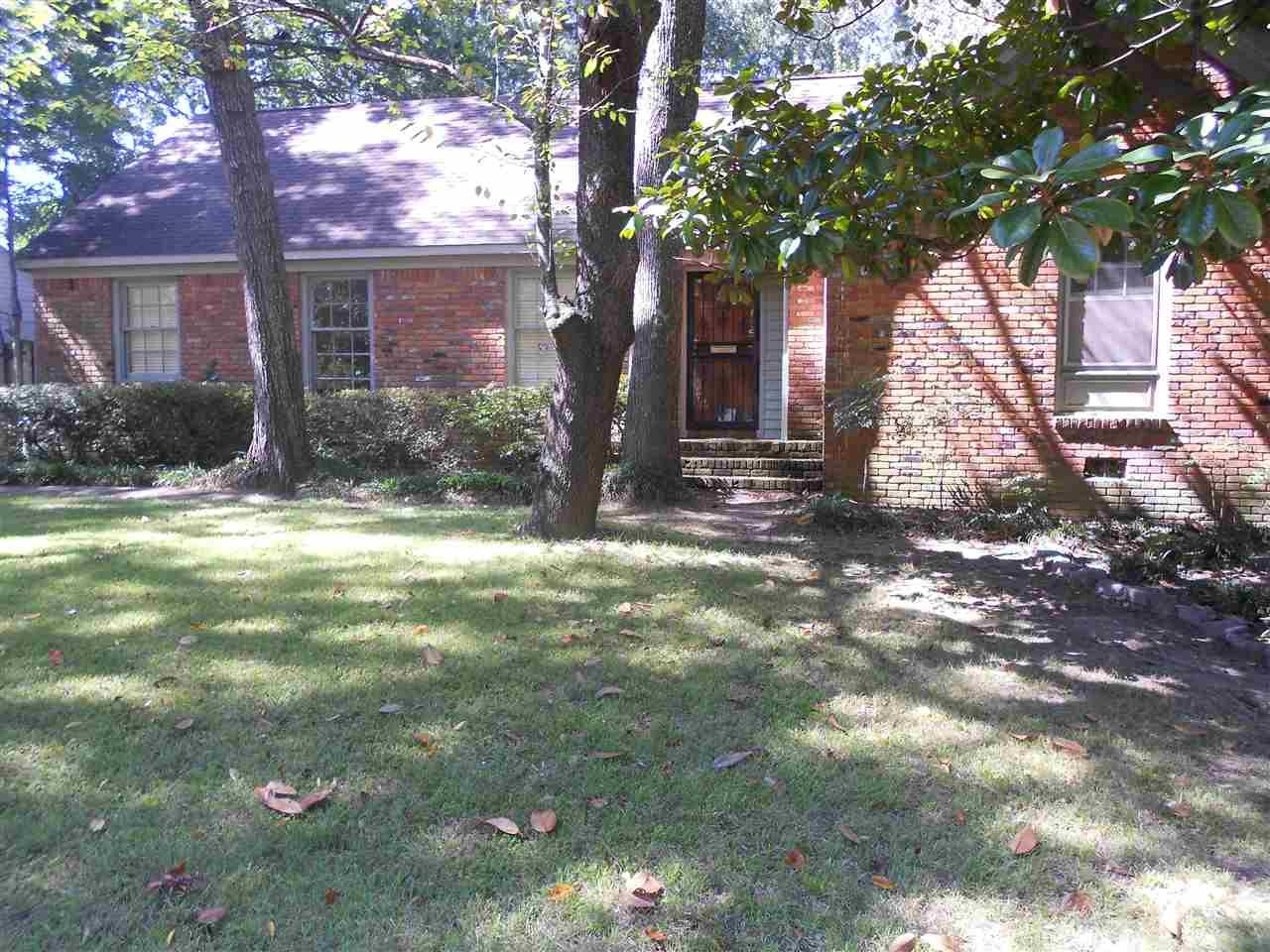 393 ELWOOD LN, Memphis, TN 38117