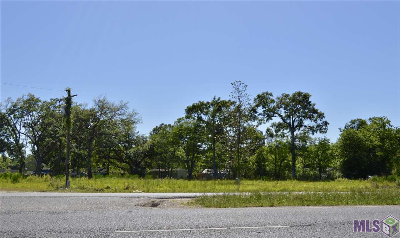 PRIME COMMERCIAL LOCATION ON AIRLINE HWY in ASCENSION PARISH. Vacant Land Located on Airline Hwy between LA HWY 621 and Black Bayou (LA HWY 934). ZONED: MU. Neighboring businesses include: Tiger Honda, Supreme Chevrolet, Coy's Diesel, Philay's Restaurant, Enterprise Rental, and many more!! Prime development site on Airline Hwy with approx. 665' feet of frontage on Airline Hwy. Easy access from either side of Airline Hwy. Great visibility - cleared & ready for immediate development. Land did not flood during 2016 flood and does not require flood insurance.