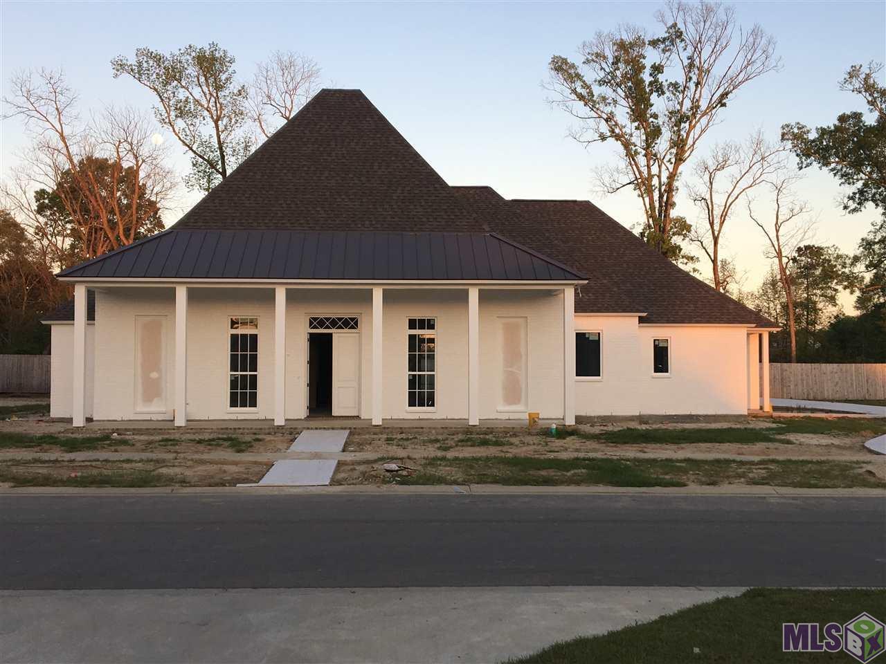 18229 WOODLAND COVE DR, Baton Rouge, LA 70817