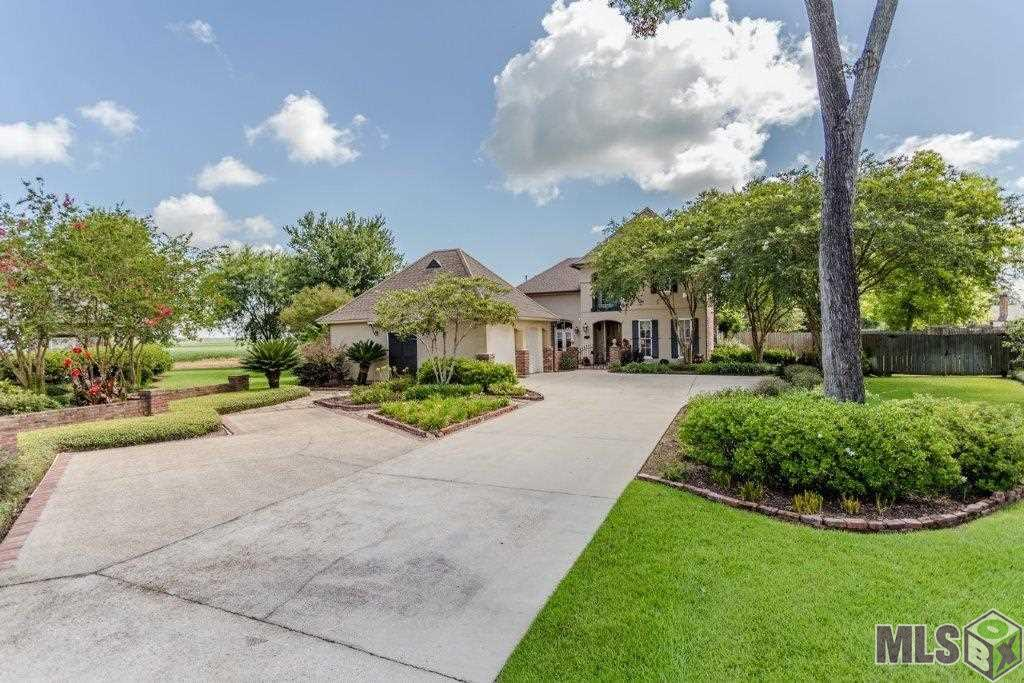 162 ROSEWOOD CT, Port Allen, LA 70767