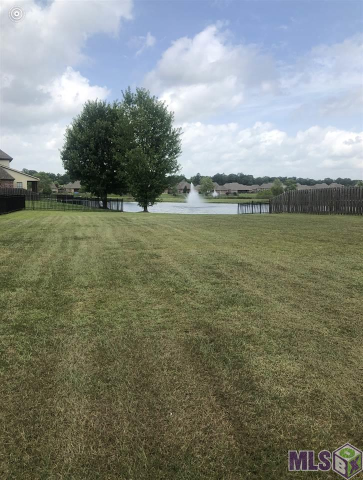 101 VILLA CROSSING DR, Greenwell Springs, LA 70739