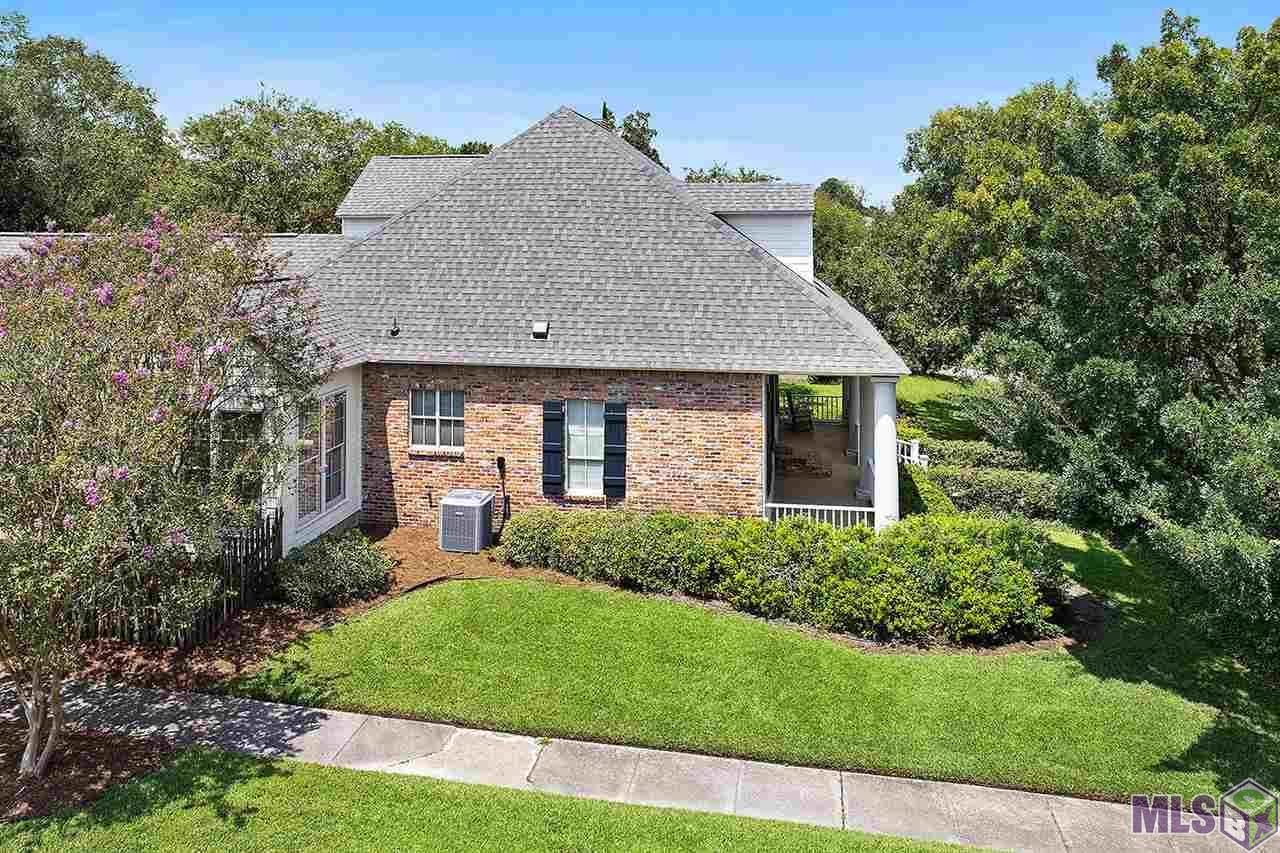 725 PLANTATION RIDGE LN, Baton Rouge, LA 70810