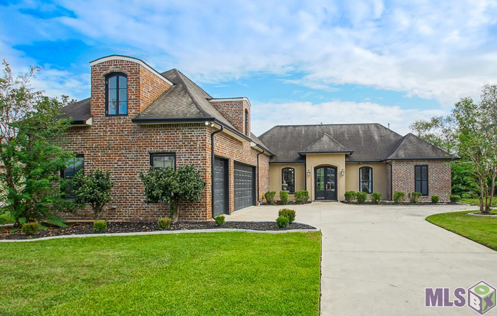 40595 PELICAN POINT PKWY, Gonzales, LA 70737