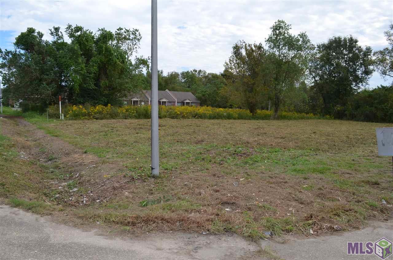 8848 PECAN TREE DR, Baton Rouge, LA 70810