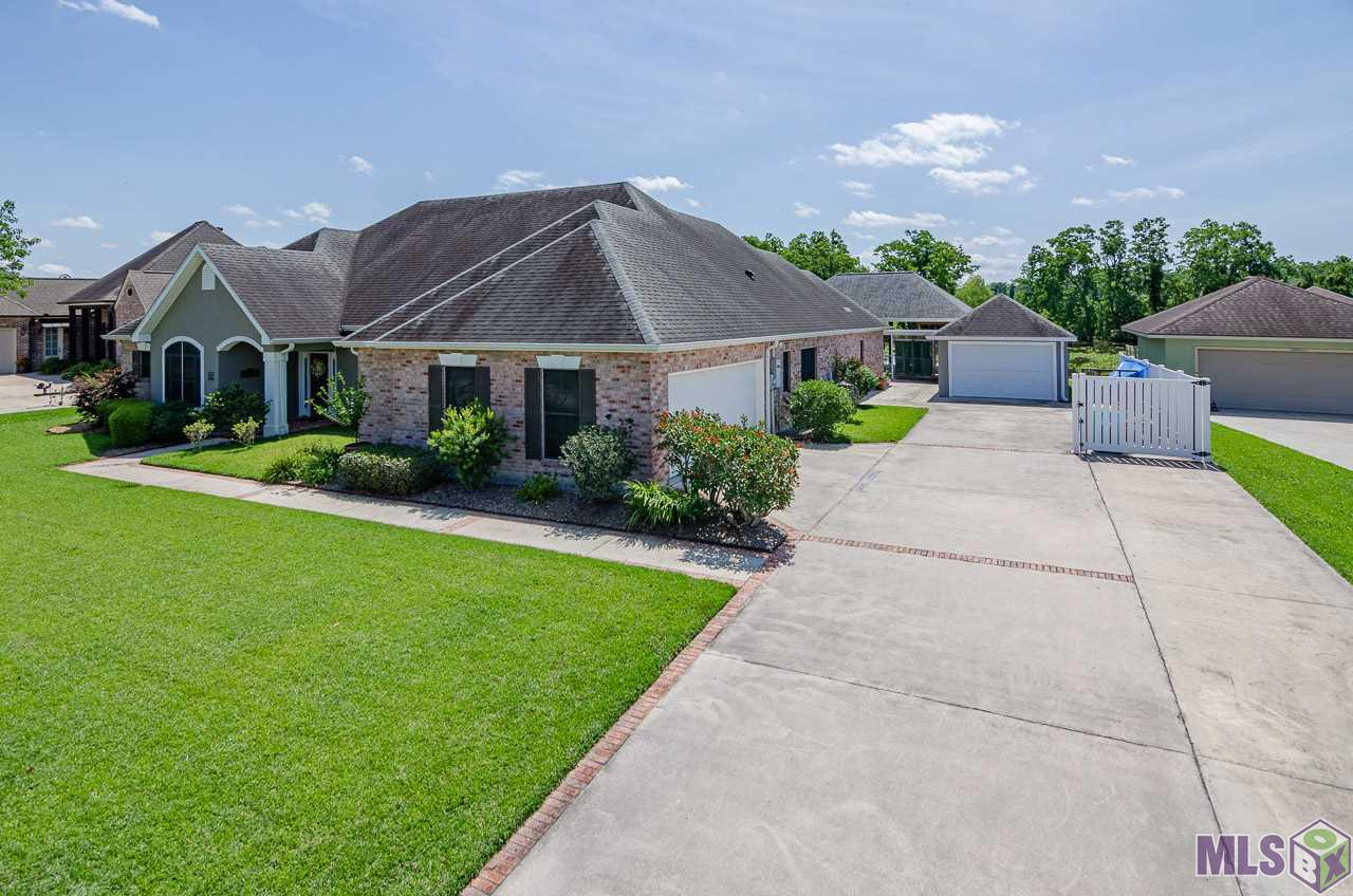 1096 OAK HARBOR DR, Morgan City, LA 70380