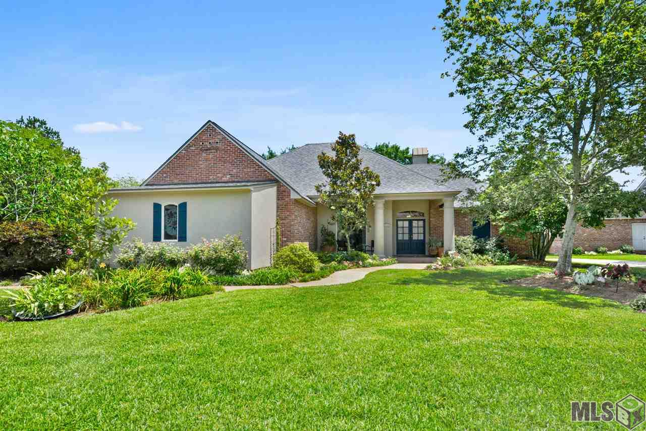8134 CYPRESS LAKE DR, Baton Rouge, LA 70809