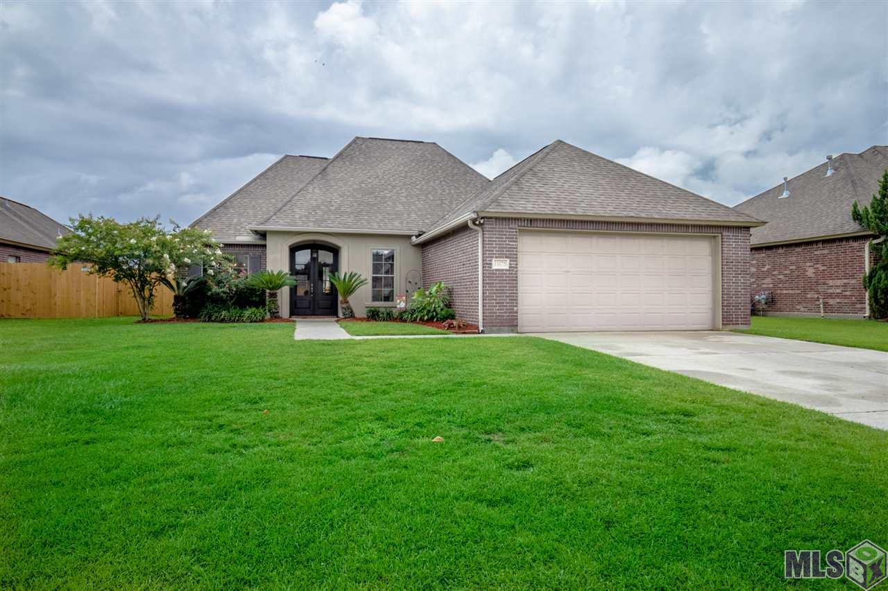 Elegant Home in lovely subdivision, minutes from the interstate and shopping mall. Home features open floor plan with gas fireplace, wood flooring in foyer and living room, carpet in bedrooms, fresh paint in guest bedrooms and hall, oversized master bedroom, soaker tub in master bath, large master closet which connects to the laundry room, spacious fenced in backyard.
