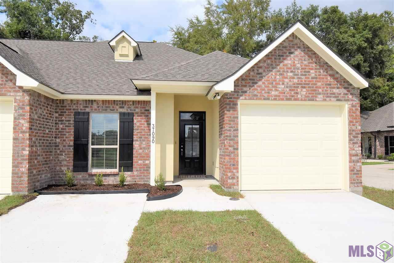 ***OPEN HOUSE*** SUNDAY OCTOBER 25TH FROM 2:00 - 4:00 PM!!! Location, location, location!  This stunning 3 bed + office nook, 2 bath townhome has just the location you've been looking for!  Located in a gated community, and near every convenience you can hope for, such as the new hospital, Bluff Ridge Primary school, Dutchtown High School, and minutes from I-10 or Airline Hwy.  The open floor plan offers luxury vinyl flooring in all areas, except for the carpeted bedrooms.  The stunning kitchen has quartz counters, stainless steel appliances, and tons of cabinet and counter space.  The huge master suite boasts his/her vanities, separate shower, garden tub, and huge walk-in closet.  The split floor plan brings tremendous convenience.  There is a 1 car garage, and additional parking spaces.  Seller is willing to pay $5,000 of buyers closing costs with fill price offer!!!