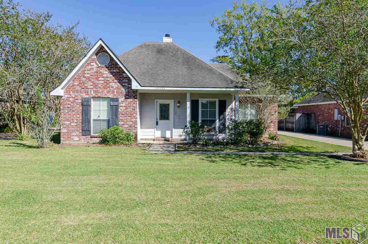 BEAUTIFUL HOME ON QUIET DEAD END STREET. BRICK PAVERS IN KITCHEN & DINING AREA. FENCED IN YARD WITH WOOD DECK IN BACK. LARGE WALK IN CLOSET IN MASTER BATH. WOOD BURNING FIREPLACE IN LIVING ROOM. CONVENIENTLY LOCATED JUST NORTH OF HWY 44. SHED IN BACK YARD TO REMAIN. REFRIGERATOR TO REMAIN. ALL WINDOW FURNISHINGS TO REMAIN. CHANDELIER IN BEDROOM WILL NOT REMAIN AND WILL BE REPLACED BY SELLER.