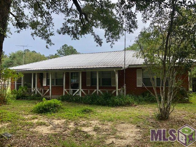 Great location in Watson! 3 bedroom, 1.5 bath, Fixer Upper on 1 acre. Would make a great starter home or investment property. Room to put mobile home in the back of property.