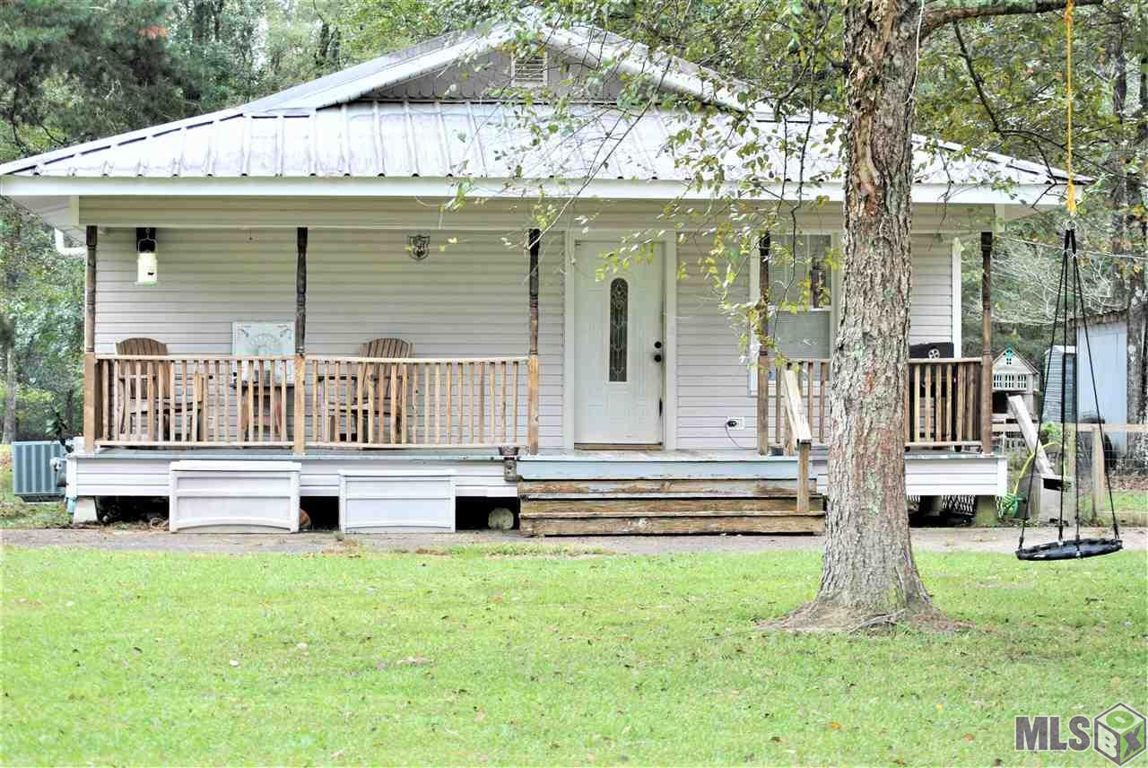 Welcome home! This 2 bed 1 bath home sits on 2.07 acres and is perfect for outdoor activity and entertainment. Located off of Hammack Rd and just a few miles from the interstate. Schedule your showing today! *Structure square footage nor lot dimensions warranted by Realtor*