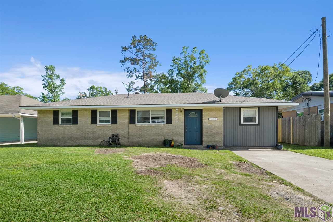 Great home located in Livingston Parish! You will love this 4 bed/1 bath home in a quiet and friendly neighborhood. Porcelain tile in kitchen and bathroom, ceramic tile in laundry room and vinyl plank flooring in all other rooms. Kitchen has a lot of cabinets for storage! New roof installed in 2020. Deck and patio perfect for entertaining! Come see and schedule your showing today!