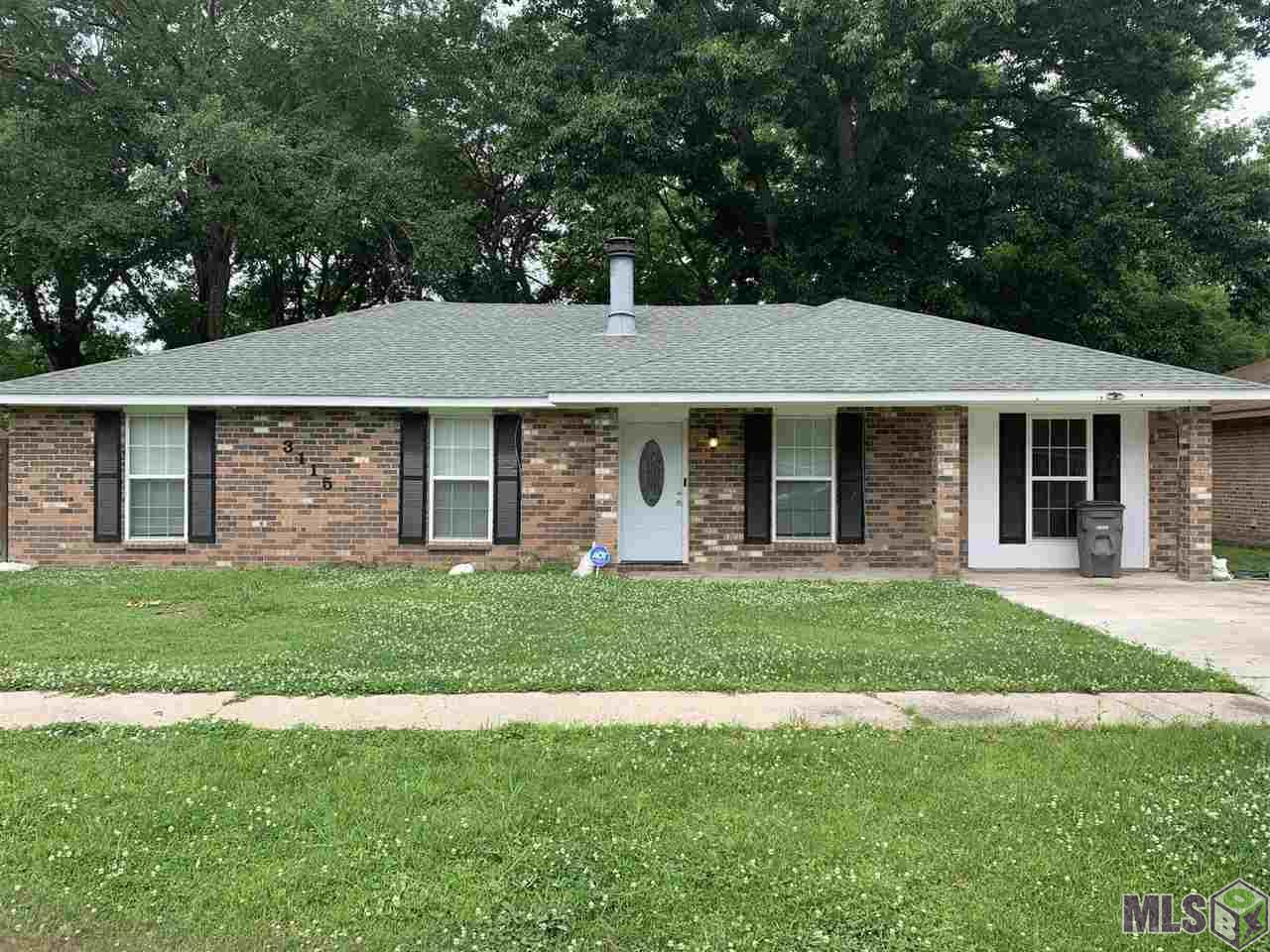 Beautiful 4bedroom and 2 bath home on a spacious lot. Roof, A/C and compressor ,and water heater is less than 5 years old,  Big yard with new fence. Home warranty is currently on home.  Easily access from I-12, central throughway and Florida blvd. Move in ready and easy to show.