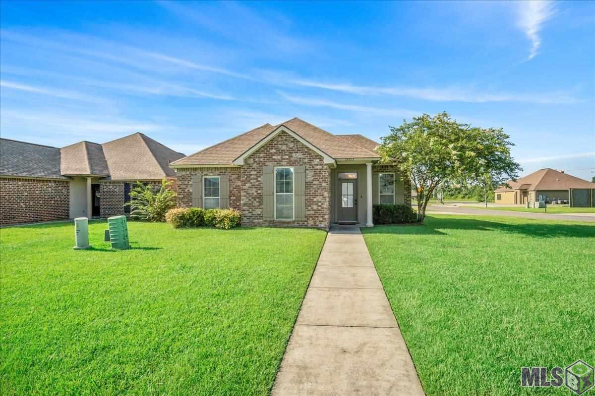 Beautiful, well maintained, updated 3 bedroom 2 bath home located in a quiet Prairieville neighborhood. Convenient location will give quick access to Airline, grocery stores and restaurants. Home features granite countertops and an open floor plan. Home did not flood in 2016!  Home currently has tenants until March 2022. Call today to schedule your private tour!
