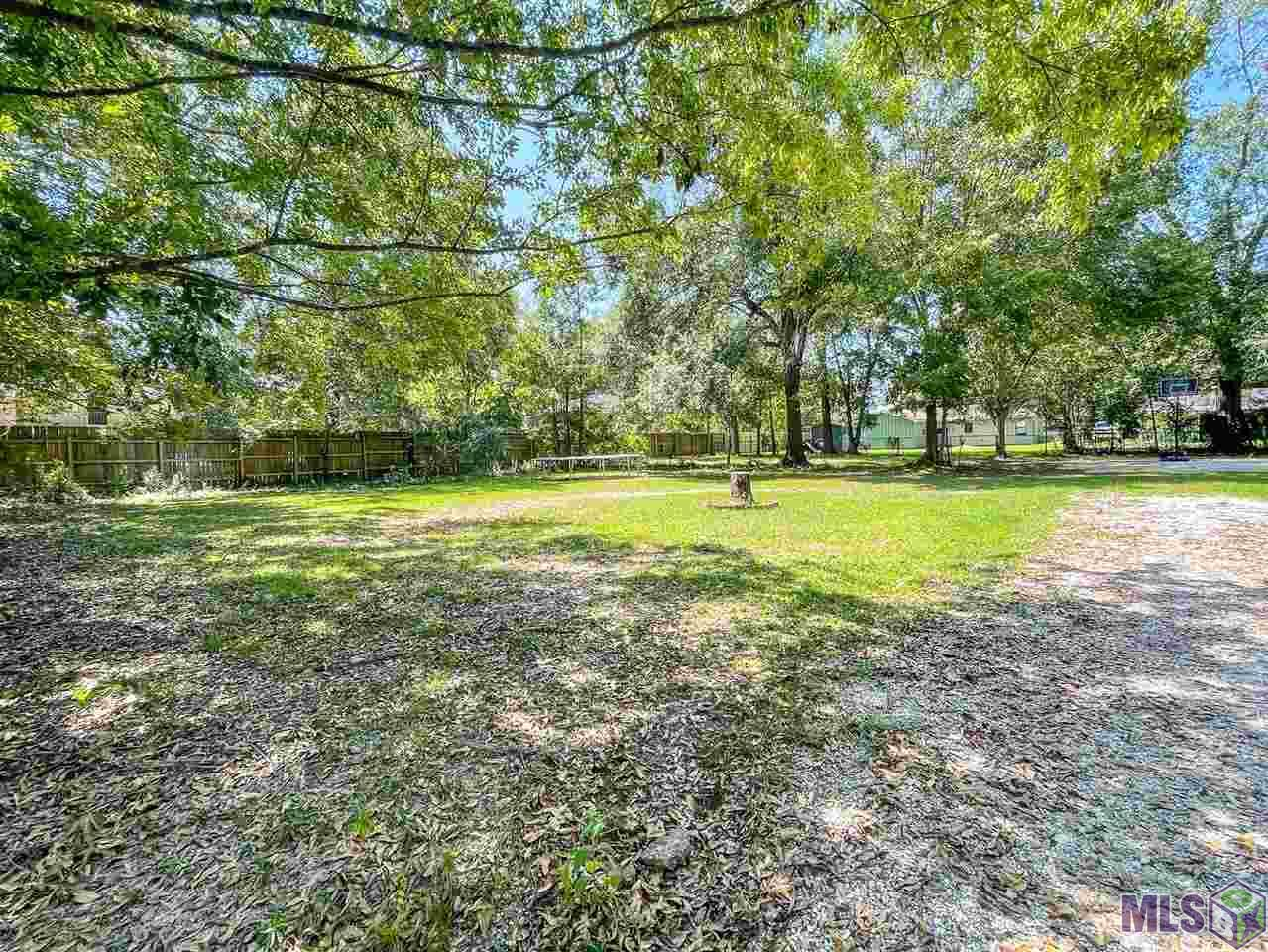 Great lot in the heart of Zachary.  This property is zoned RU-Urban.  RU-Urban Zoning would allow for a Multi-family dwelling to be built on the property. Buyer should check with the City of Zachary to confirm what exactly would be approved on this property.