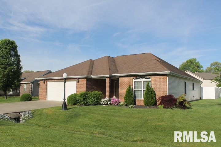 201 Breeze Drive, Carterville